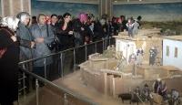 İstiklal Harbi Şehitler Abidesine ziyaretçi akını