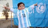 İmzalı Messi forması başlarına dert oldu