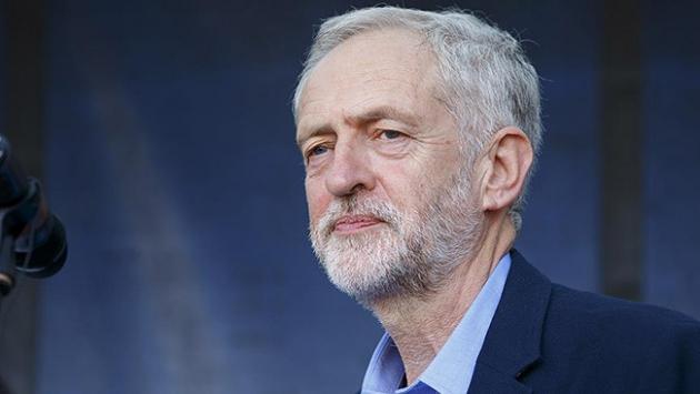 Seçime hazırlanan Corbyne antisemitizm kıskacı