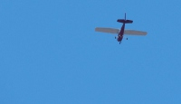 Peru polisi uyuşturucu taşıyan uçağı vurdu