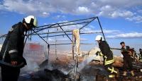 Suriyede çadır kente hava saldırısı barbarca