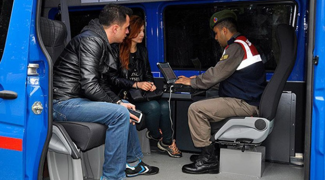Mobil karakol aracından hırsızlık olayına müdahale