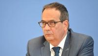 Alman hükümetinden Davutoğlu açıklaması