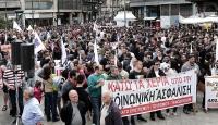 Yunanistanda kemek sıkma politikalarına protesto