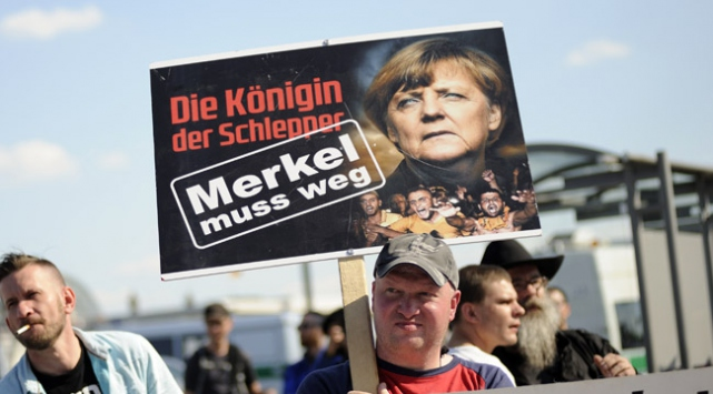 Berlinde Merkel protestosu