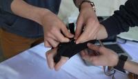 Görme engellilerin hayatını kolaylaştıracak bileklik üretildi