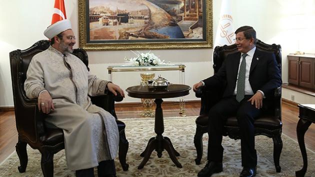 Başbakan Davutoğlundan Diyanet İşleri Başkanına ziyaret