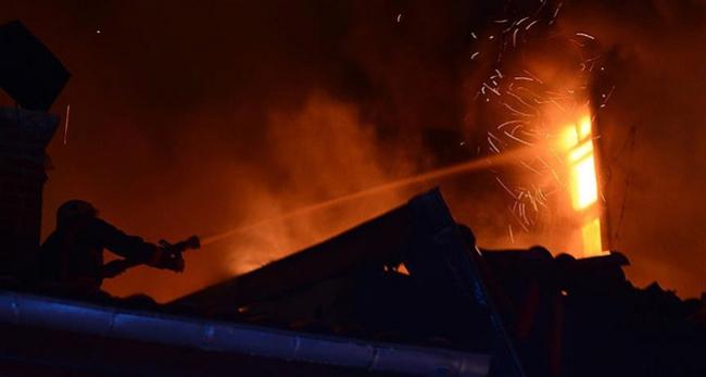 Üsküdarda villada yangın