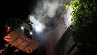 Fatihte 4 katlı binada yangın