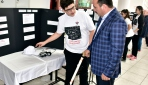 Ortaokul öğrencisinden engellilere akıllı baston