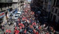 Fransada grev dalgası büyüyor