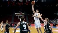 Anadolu Efes yarı final serisinde 1-0 önde