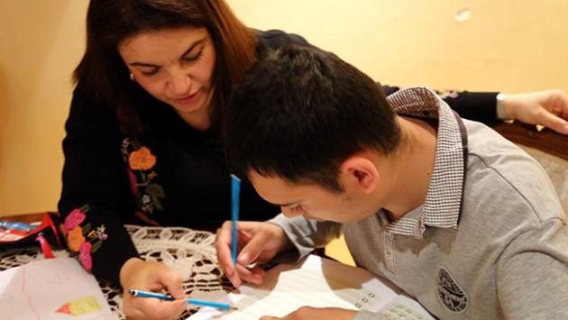 Otizmde en etkili tedavi; yoğun ve sürekli eğitimdir