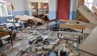 Teröristlerin zarar verdiği okuldaki manzara