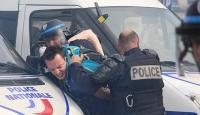 Fransada yüzbinlerce kişi sokaklara döküldü