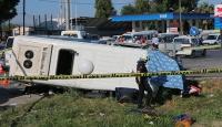 Öğrenci servisiyle otomobil çarpıştı: 2 ölü, 14 yaralı