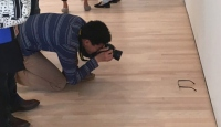 Müzede gözlük şakası sosyal medyada