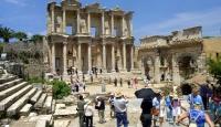 Nisanda Türkiyeyi kaç kişi ziyaret etti?