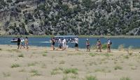 Sıcak havayı gören turistler sahillere akın etti