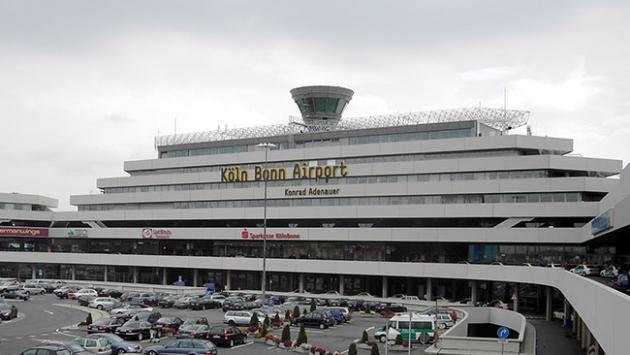 Almanyada Köln-Bonn Havalimanında panik