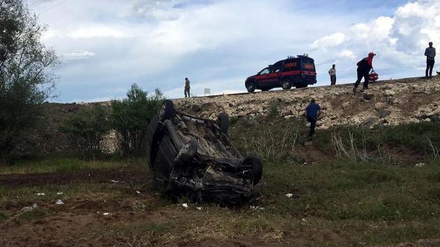 Bitlis'te kamyonet şarampole devrildi: 6 ağır yaralı