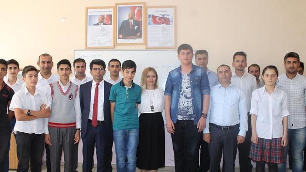 PKKnın yaktığı okullardan TEOG birincileri çıktı