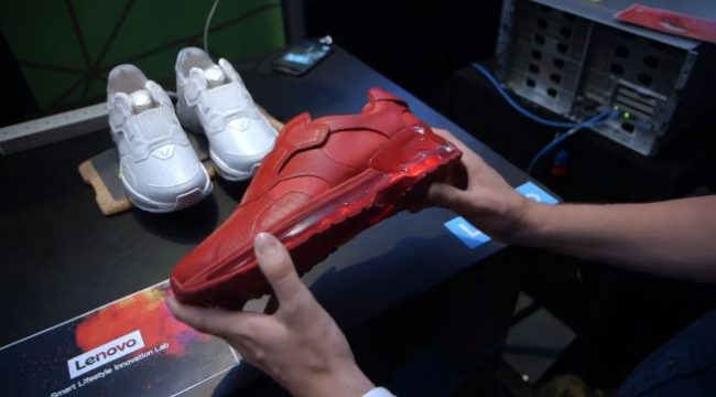 Lenovodan akıllı ayakkabı