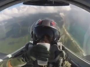 Su içerken ters dönen pilot