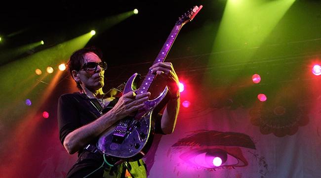 Gitar virtüözü Steve Vai, İstanbulda konser verecek