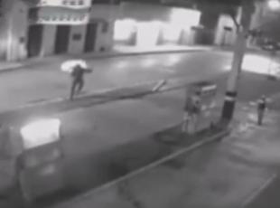 Pompacı soyguncuyu yaktı!