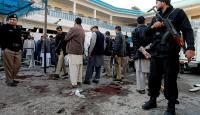 Pakistanda bombalı saldırı: 3 ölü, 32 yaralı