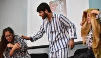Mahallenin gençleri kadına şiddeti önlemek için toplandı