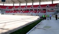 Eskişehirin yeni stadında çim serme işlemi başladı