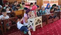 Küçüklerle büyükler camilerde buluştu
