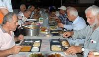 İki asırlık iftar geleneğini yaşatıyorlar