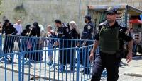 İsrail Mescid-i Aksada 10 kişiyi gözaltına aldı