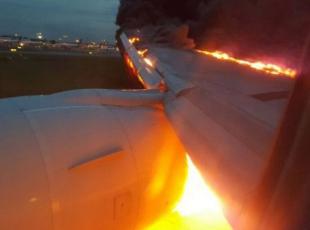 Singapur Havayolları uçağında yangın çıktı