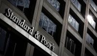 S&P İngilterenin kredi notunu düşürdü