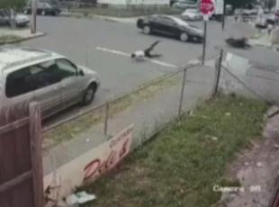 Taklalar atarak asfalta çakıldı