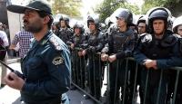 İran polisi Amerikan mağazasının açılışını engelledi