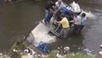 Belediye başkanı kanalizasyona düştü