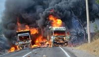 Vanda PKKlı teröristler araçları yaktı