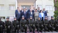 Başbakan Yıldırımdan askerlere ziyaret