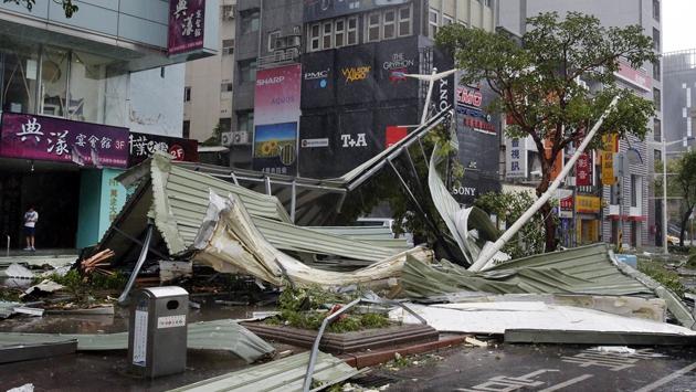 Tayvanda Nepartak tayfunu can aldı