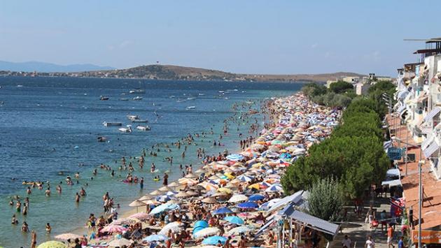 Avşa Adasının nüfusu tatilde 50 kat arttı