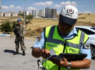 Polis ve jandarma omuz omuza