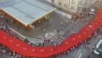 """""""1919 metrelik bayrağın altında 20 bin kişi"""""""