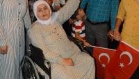 Felçli kadın demokrasi nöbeti tuttu