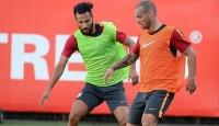 Galatasaray kafilesi Danimarkaya gitti