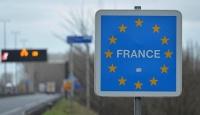 Fransaya geçmek isteyen tatilciler 15 saattir araç kuyruğunda